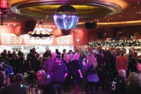 Tanzparty mit Kult-DJ Woschi – Die Hits der vergangenen 40 Jahre